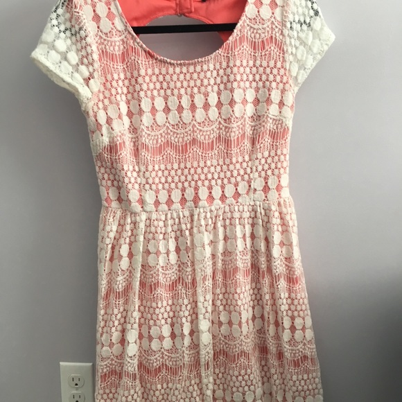 Doe & Rae Dresses & Skirts - Pink Lacey Dress with Open Back